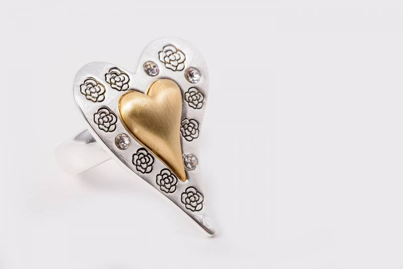 30071 Ring med lite gull hjerte